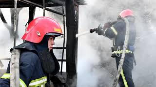 Миколаївська область: вогнеборці ліквідували пожежу двох господарчих споруд