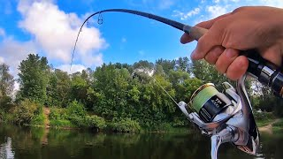 НЕ ОЖИДАЛ ТАКОГО КЛЁВА ЩУКИ В АВГУСТЕ Ловля щуки спиннингом на малой реке в августе 2021