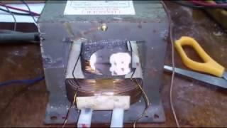 Зарядное устройство из трансформатора СВЧ.  The charger transformer of a microwave.