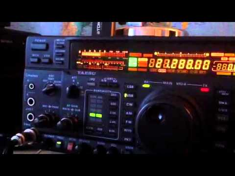 VE3AXW Canadian amateur station calling CQ Yaesu FT-1000MP