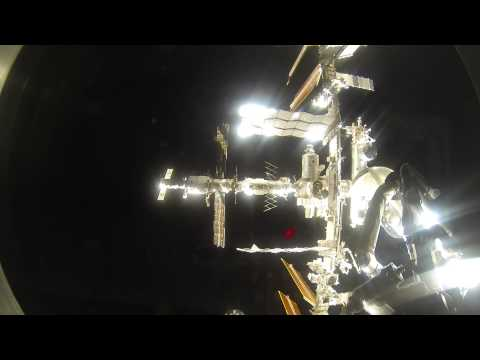 Amazing Video of Soyuz Spacecraft Approaching Space Station