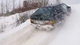 Audi 100 quattro в горку по снегу против Subaru, Mitsubishi и Шнивы