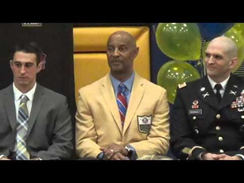 Pro Football Hall of Fame US Army Award of Excellence Finalist Ben Moreau