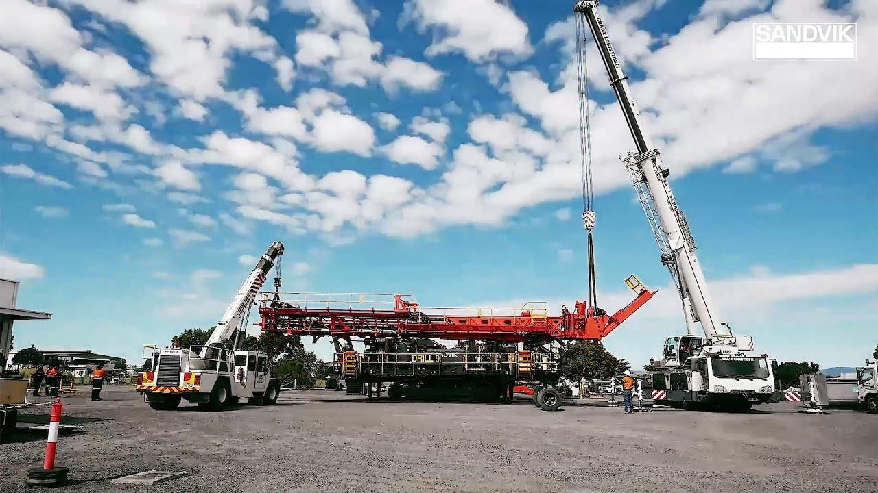 Sandvik DR412i Installing the Mast  | Sandvik Mining and Rock Technology