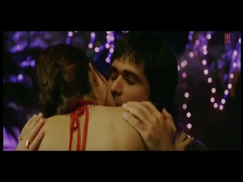 JACQUELINE FERNANDEZ HOT ROMANTIC SCENES COLLECTION thumbnail