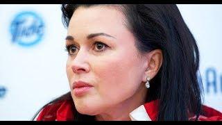 Интервью в 3 миллиона: стало известно, почему Анастасия Заворотнюк не пришла на открытие магазина до
