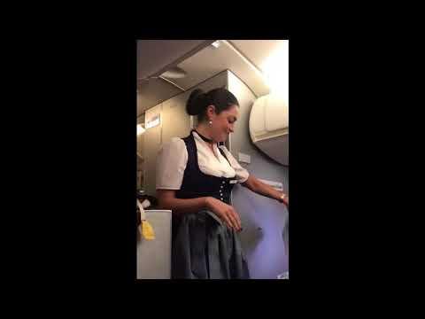Oktoberfest 2017 in München Lufthansa bringt mit Ansage Fluggäste zum Lachen   Regional Videos   FOC