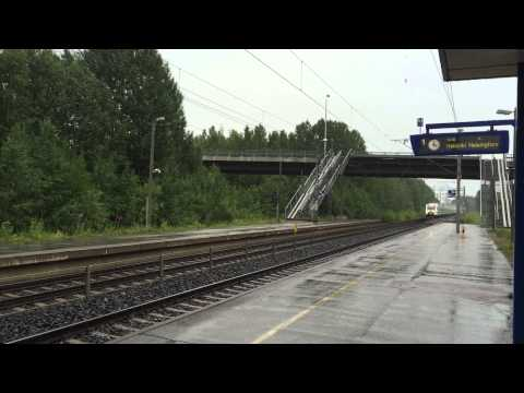 [VR] Pendolino service nr. 53 Helsinki → Oulu speeds through Purola station.