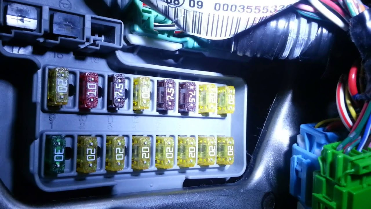 There Is A Difference Between An Ato And Mini Blade Fuse Youtube Add Circuitquot Micro2 Size Circuit Holders