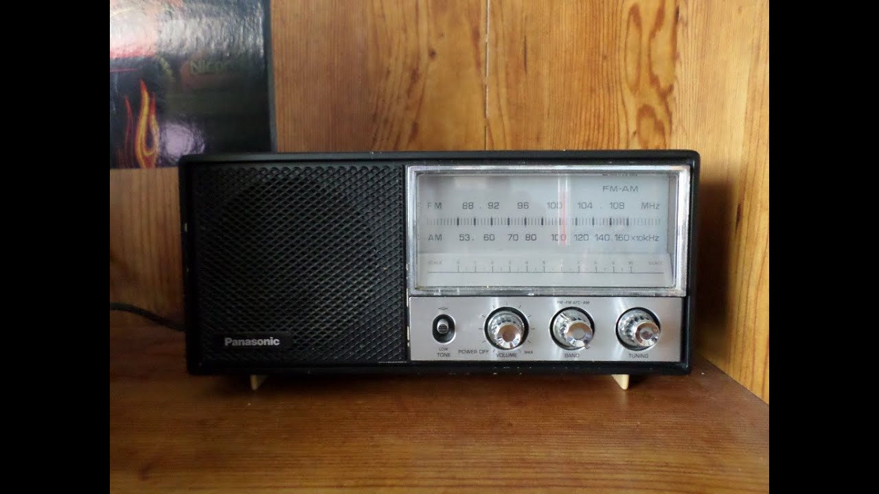 vintage 1975 panasonic am fm table radio re 6278 youtube. Black Bedroom Furniture Sets. Home Design Ideas