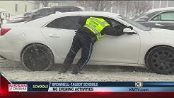 Drivers thank Omaha police officer who helped push cars