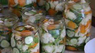 Pyszna Sałatka z Kalafiora, ogórka, marchewki na zimę