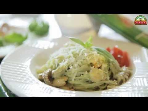Pasta - это просто! Шпинатные спагетти с морским коктейлем