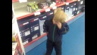 Отжиг трехлетнего мальчика в магазине МВИДЕО в Волгограде)(ми-ми-ми)))), 2013-05-21T13:19:30.000Z)