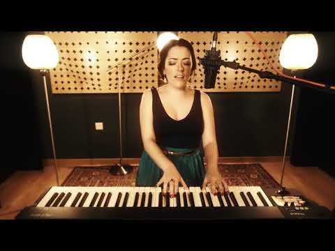Sian Turner - Unconditionally | Music Live Lounge | Creative Force Dubai