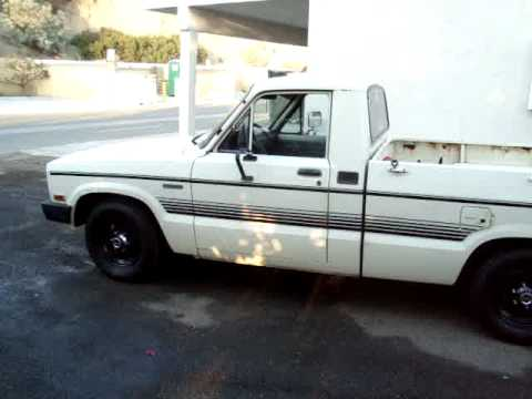 1984 mazda b2000 start up - YouTube