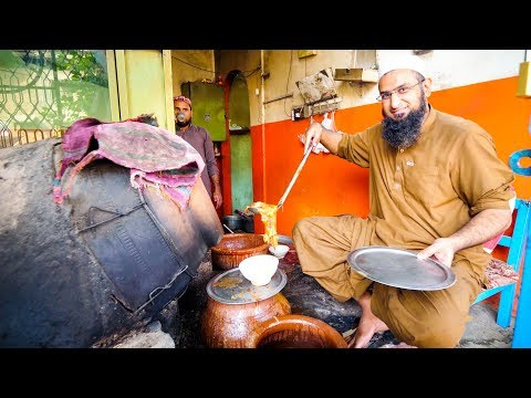 Street Food in Peshawar - AMAZING PAYA + CHARSI TIKKA | Pakistani Food Tour! thumbnail