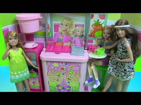 Đồ Chơi Máy Làm Sữa Frozen Yogurt Của Chị Em  Búp Bê Barbie - Barbie