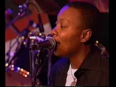 Meshell Ndegeocello - Outside Your Door (live at NSJF)