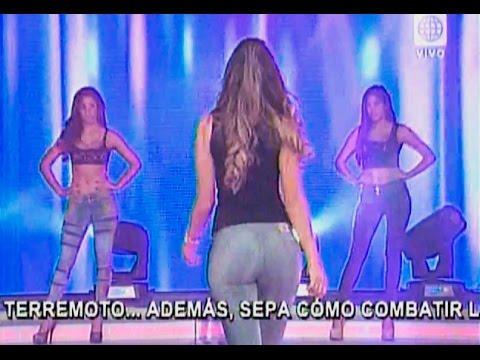 Desfile De Jeans Ajustados Youtube