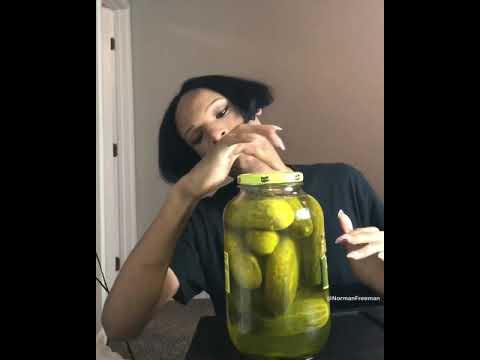 Asmr pickle eating