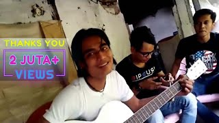 Download Charly Feat Aris Idol - Istana Bintang (Acoustic)