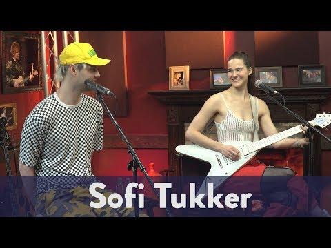 "Sofi Tukker - ""That's It"" (Live)"