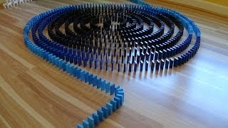 new domino building space (over 2000 dominoes)