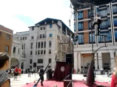 Les P'tits Bras: Triplette In Paternoster Square