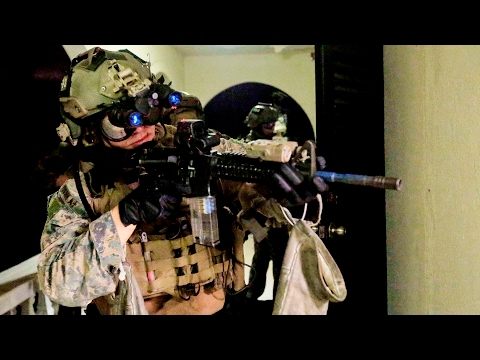 USMC Maritime Raid Force Surgically Raids A Building: Realistic Urban Training Exercise