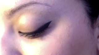Perfect Winged Eyeliner Thumbnail