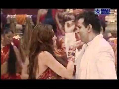 Amna Shariff   Sar pe topi   YouTube
