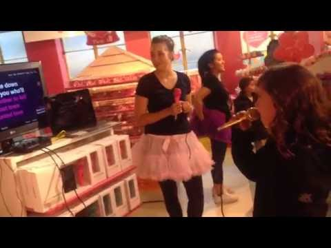 Titanium - Sia - Chloe singing live in Hamley's in London