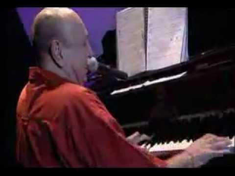 Carlos Lyra convida Emilio Santiago  com João Donato ao piano.