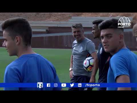 CLINIC STRIKERS VALENCIA Soccer Inter-Action