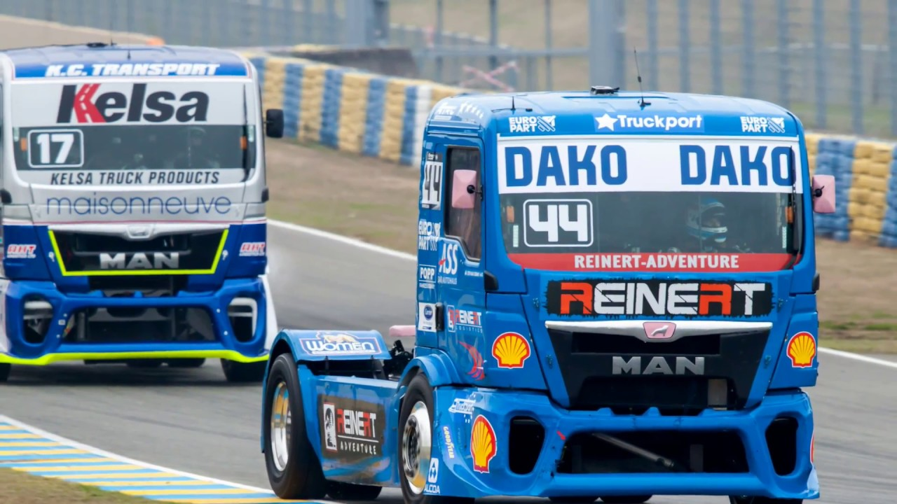motor racing with mercedes benz