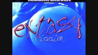 Beenie Man & Tanto Metro - One Girl (Extasy Riddim 2001)