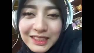 Video IIS DAHLIA   PAYUNG HITAM 🌷PUTRI   ANDINI🌷 on Sing! Karaoke by MaulaaHR   Smule download MP3, 3GP, MP4, WEBM, AVI, FLV Agustus 2017