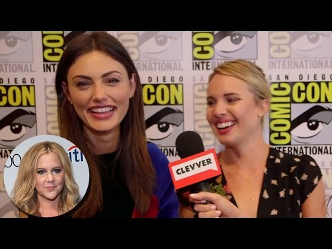 Phoebe Tonkin & Leah Pipes Do Amy Schumer Impersonation SDCC 2015