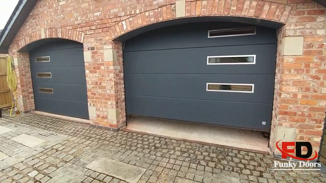 Charmant Arched Garage Doors