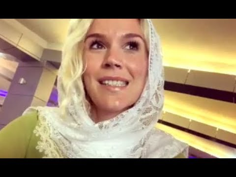 Singer Joss Stone Says She Is 'heartbroken' After Being Deported From Iran