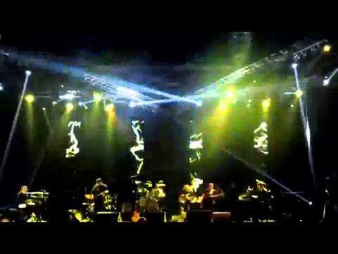 Doris Dragovic-To/Sakom o stol/Moram (LIVE, Arena, Beograd, 14.02.2014)