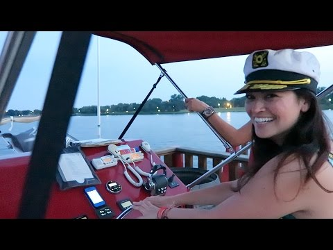 THEY LET ME DRIVE THE BOAT! // Washington, DC