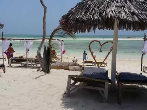 WATAMU - KENYA  SAFINA BEACH  spiaggia jacaranda The Paradise!