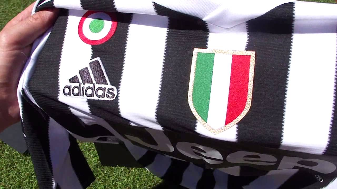 51fa4f18b Tearing Open the 2015/16 Juventus Kit - Presentation Unboxing by  SoccerCleats101