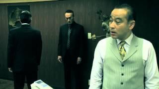 武闘派ヤクザの芹澤(竹内力)は、やむを得ない状況から敵対すべき相手...
