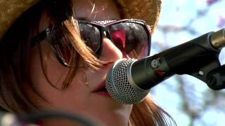 Holly Miranda performs 'Waves' live at Other Music & Dig For Fire's SXSW Lawn Party 2010