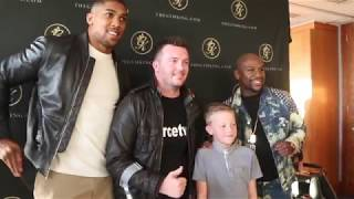 'WELL DONE' - YOUNG KID AMUSES ANTHONY JOSHUA & FLOYD MAYWEATHER BY CONGRATULATING THEM