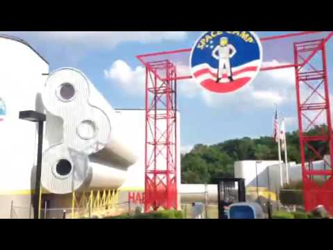 Let's travel with uncle goat Huntsville Alabama space and rocket center. Space camp