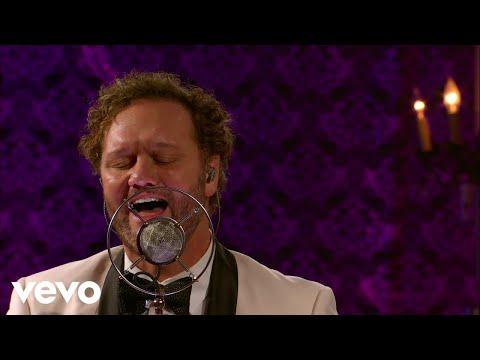 David Phelps - What The World Needs Now (Live)